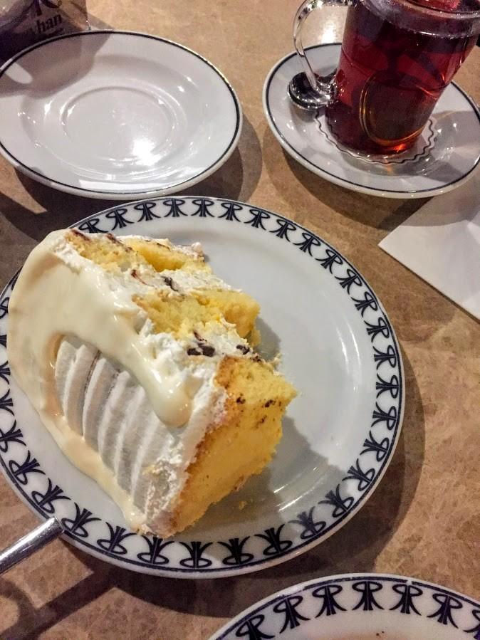 İnci bademli - İzmir Alsancak Reyhan Pastanesi