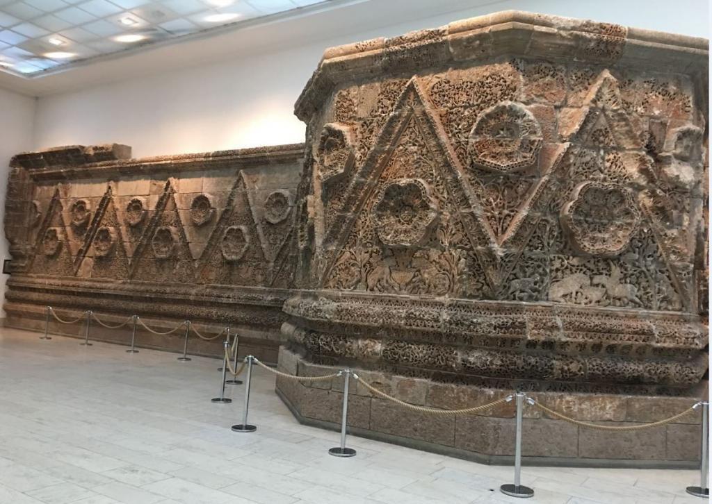 Mshatta - Berlin Pergamon Müzesi - Müzeler Adası - Berlin Gezilecek Yerler