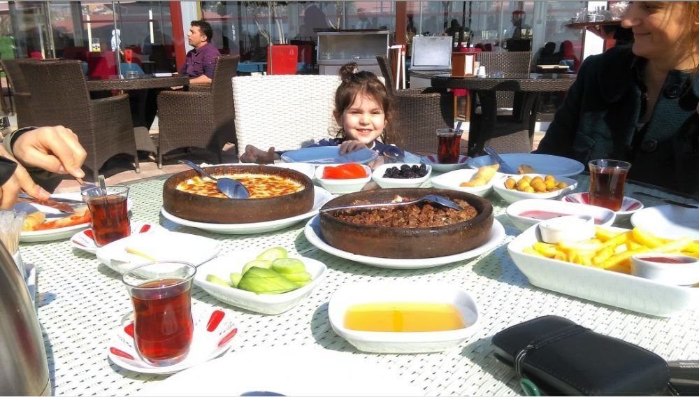 Hereke Marina Cafe Kahvaltı - Hereke Gezi Rehberi - Hereke Gezilecek Yerler