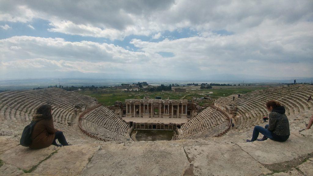 Hieraolis Antik Tiyatrosu