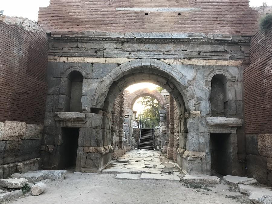 Lefke Kapı - İznik Gezi Rehberi