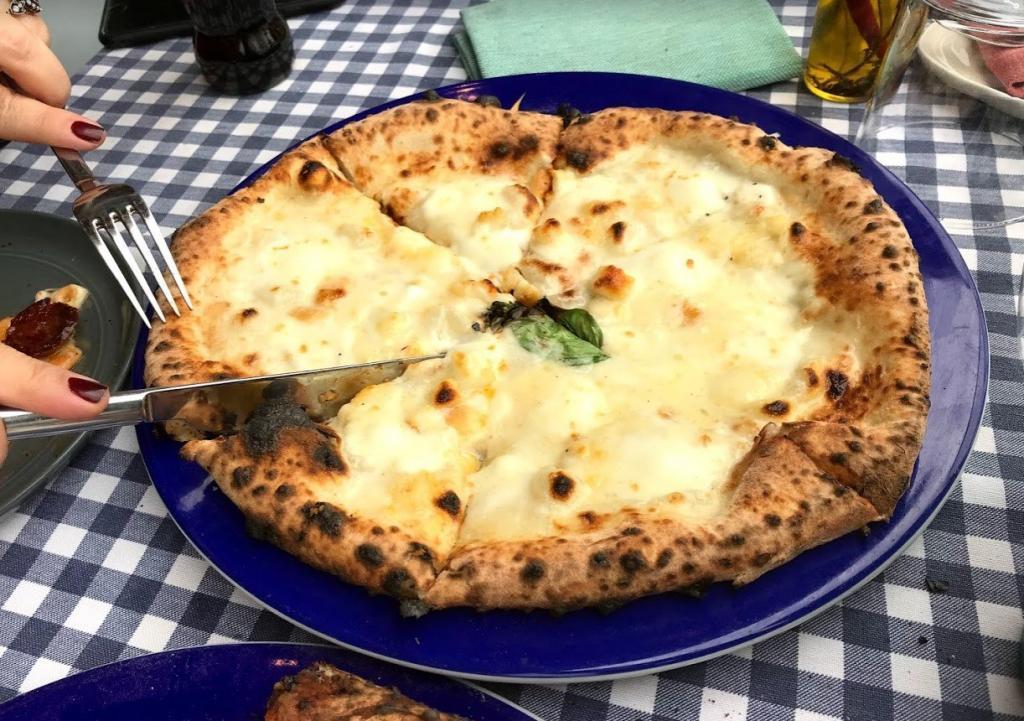 Pizza emirgan 4 peynirli pizza
