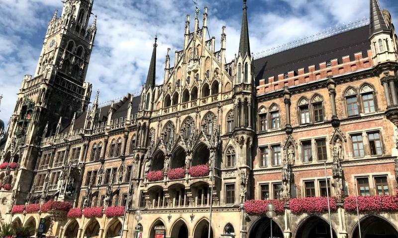 Marienplatz- Münih Gezilecek Yerler