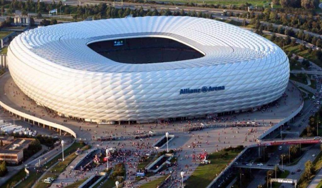 Allianz Arena - Münih Gezilecek Yerler