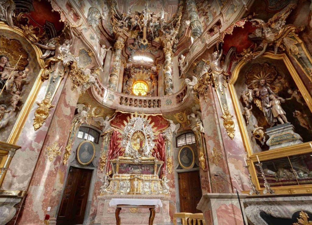 Asamkirche - Münih Gezilecek Yerler