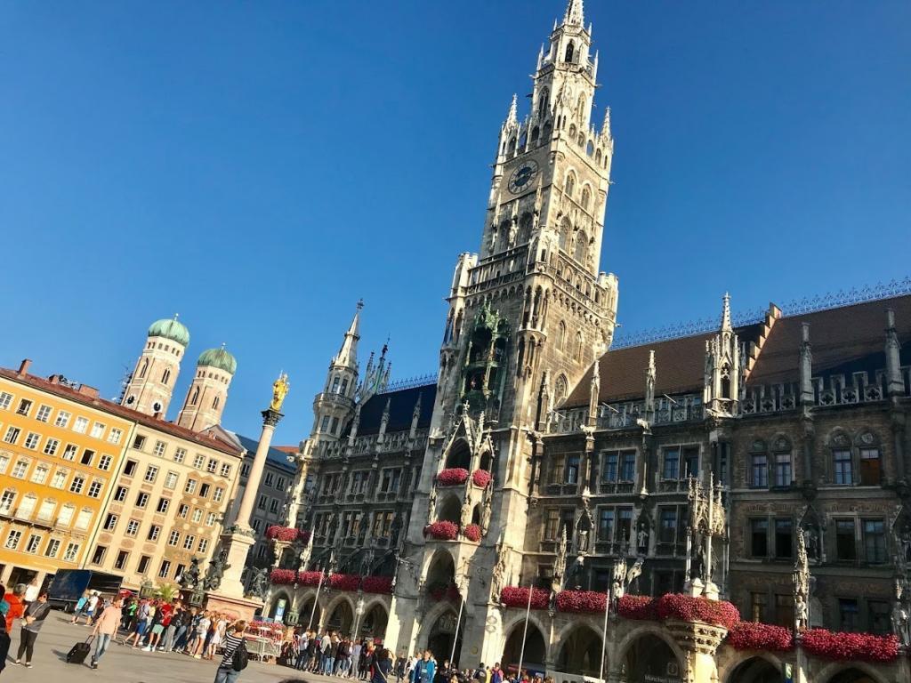 Münih Gezilecek Yerler -Marienplatz