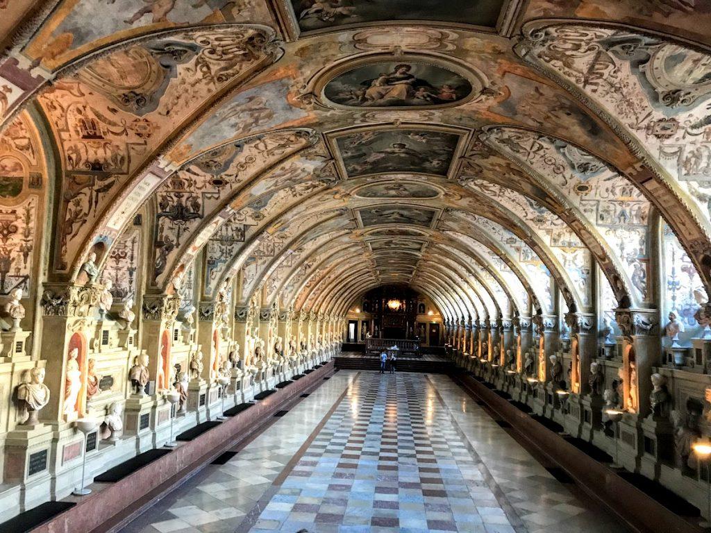 Münih Residenz - Münih Gezilecek Yerler -