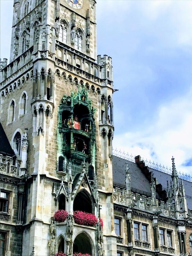 Neues Rathaus- Münih Yeni Belediye Binası- Münih Gezilecek Yerler