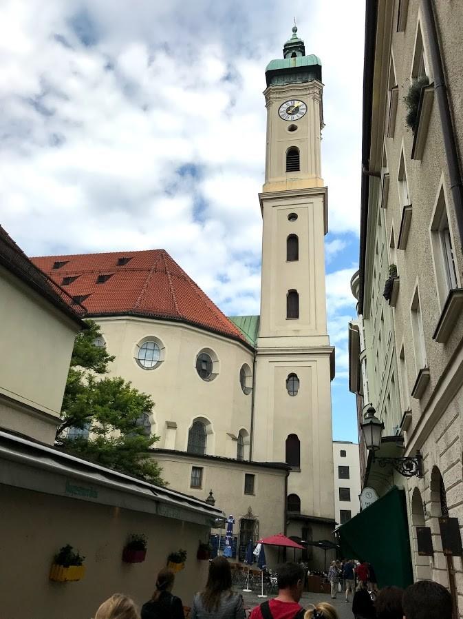 St. Peter's Kilisesi- Münih Gezilecek Yerler
