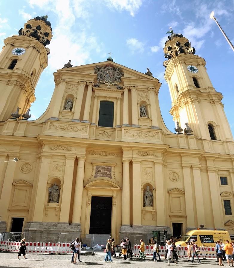 Theatine Kilisesi (Theatinerkirche)- Münih Gezilecek Yerler