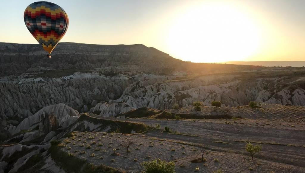 Kapadokya güneş doğumu balon