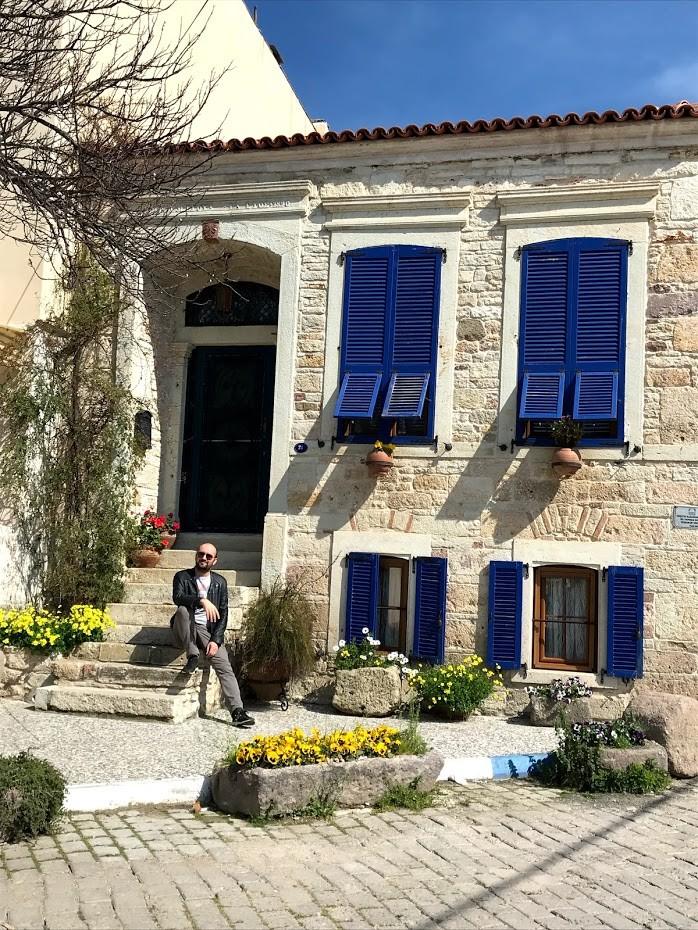 Eski Foça Evleri : Hanım koş bir tane daha gördüm! - Foça Gezi Rehberi