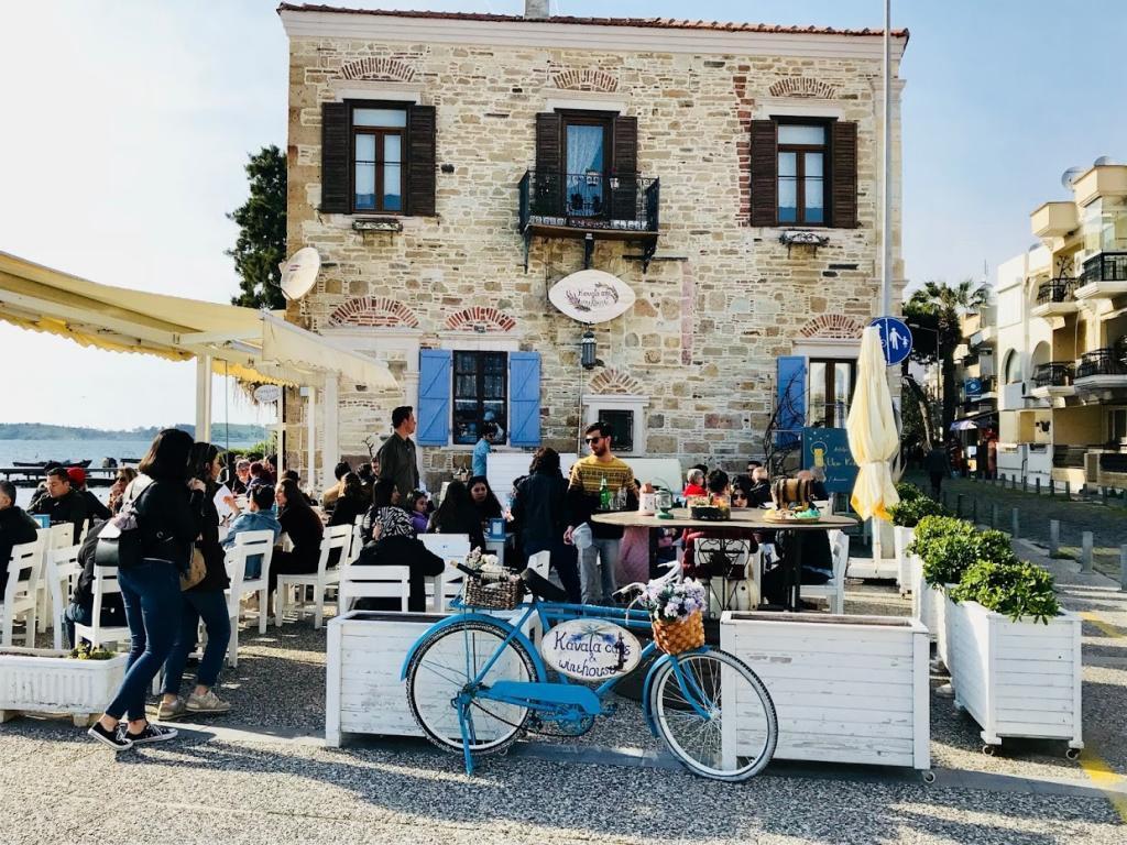 Eski Foça Kavala Cafe