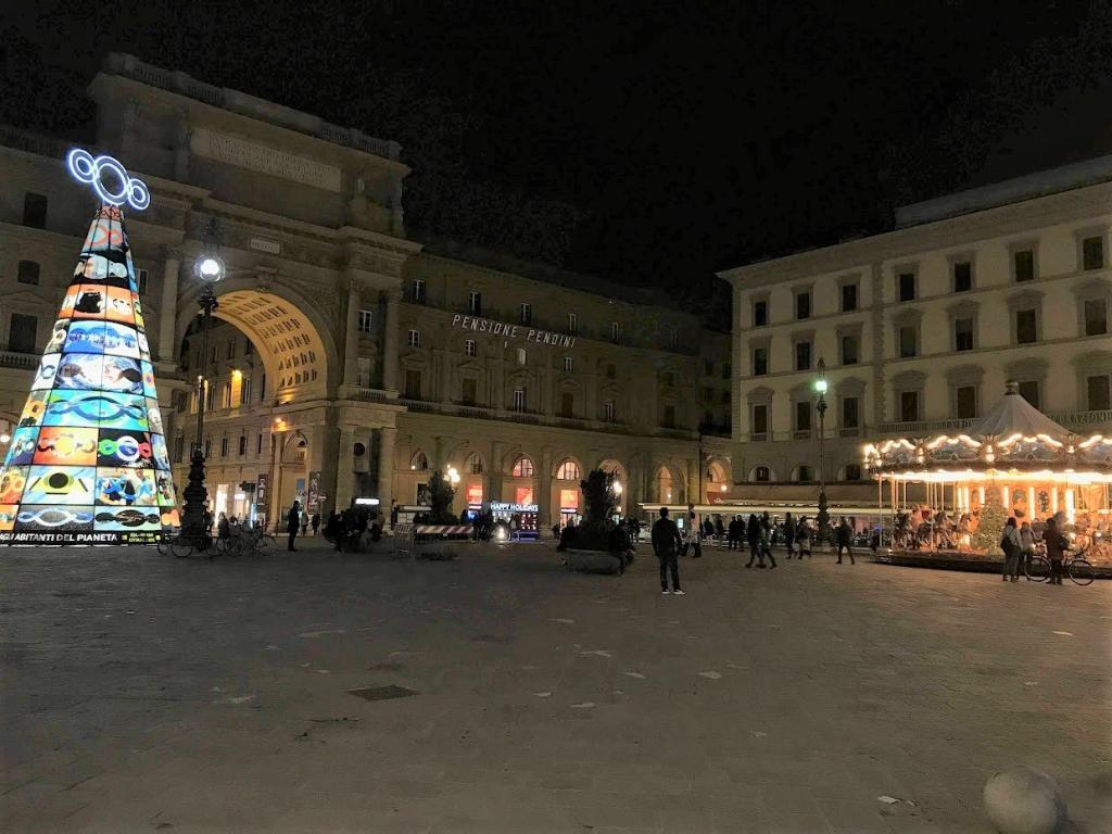 Floransa Cumhuriyet Meydanı